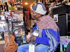 into the music ~ listen (view 'L') (Shein Die) Tags: lculmer blues clarksdale mississippi livemusic guitar bluestown jukejointfestival