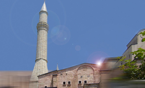 "Torres legendarias / Faros, minaretes, campanarios, rascacielos • <a style=""font-size:0.8em;"" href=""http://www.flickr.com/photos/30735181@N00/31722254393/"" target=""_blank"">View on Flickr</a>"
