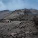 Blick zum Barafu Hut Camp (4.600 m) beim Abstieg über Mweka Route - 6. Tag am Kilimanjaro