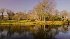 Ne rien faire (Yasmine Hens +4 100 000 V thx♥) Tags: parc water loisir photo hensyasmine namur blue bluesky reflets reflexion réflection belgium
