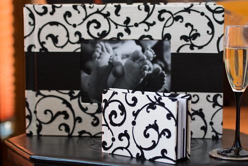 Familienalbum - Fotoalbum mit Begleitalbum aus Brokat mit Lederaufsatz