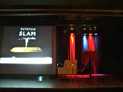 "3. Science Slam Karlsruhe • <a style=""font-size:0.8em;"" href=""http://www.flickr.com/photos/134851782@N05/20171930904/"" target=""_blank"">View on Flickr</a>"