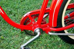 C08520 (centerprairie) Tags: red 1948 bicycle stand tank balloon ivory tire chrome spitfire brake pedals handlebar horn schwinn coaster juvenile rods hanger 1949 saddle crank dx truss grips bendix 20