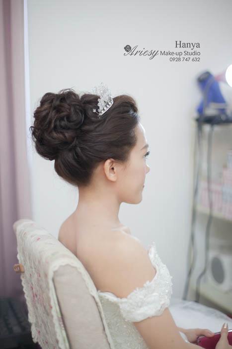 愛瑞思造型團隊,新秘Hanya,新娘造型,新娘髮型,北市聯合婚禮,清透妝感,蓬鬆編髮,新娘秘書,台北新秘推薦