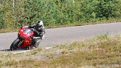 7IMG8585_b (Holtsun napsut) Tags: summer bike canon honda finland ktm motorcycle yamaha motor r1 suzuki panning motorbikes 70200 kawasaki yamahayzfr1 motorsport kesä cbr motorrad hayabusa yamahar1 motopark racingcircuit virtasalmi eos7d motorg
