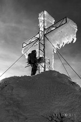 161185  Summit Cross at the Dachstein (bellodis) Tags: dariobellodisphotography crocedivetta mountainlandscapes summitcross 2016 alpi alps bw dachstein fujifilmgear fujixt2 ramsau verticalformat croce cross fujinon1024f4 ghiaccio ice montagna mountain neve people persone snow wwwbellodiscom
