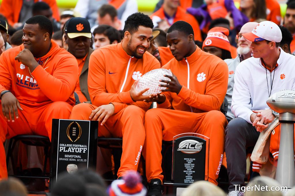 Clemson Photos: Jadar  Johnson, Jordan  Leggett, 2016, Football