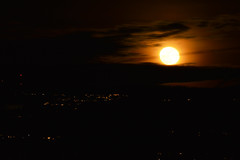 Moon over Kennydale (Sotosoroto) Tags: seattle renton lakeridge washington moon moonrise clouds