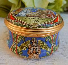 Halcyon Days English Enamels Trinket Box ~ 2000 Christmas (Donna's Collectables) Tags: halcyon days english enamels trinket box ~ 2000 christmas