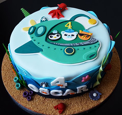 Octonauts for Oscar (adrianarosati) Tags: octonauts chocolate cake cakedesign cakedecoration sea blue birthday birthdaycake icing royalicing sugar sugarwork boy 4