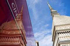 Torino (Valt3r Rav3ra - DEVOted!) Tags: sony streetphotography street sonyalpha7 torino valt3r valterravera visioniurbane urbanvisions reflections red mole digitale colori