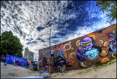 fresque + ciel (Stephane BETIN) Tags: street cloud sun france art la pentax tag can maritime skate graff charente k5 rochelle poitou charentes
