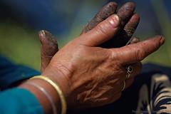 Hand rubbed charas (f/4) Tags: india manali cannabis himachal tosh kullu hashish pradesh charas parvati