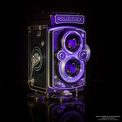 Rolleiflex Automat 6x6 (The Autodidact Photographer) Tags: rollei canon lens photography photo foto dslr 35 kamera fotografering carlzeiss 75mm objektiv tessar mxevs frankeheidecke synchrocompur 19541956 5dmk2 eos5dmkii rolleiflexautomat6x6 modelk4b sigma50mmf14dghsma