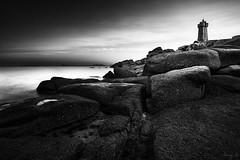 Men Ruz (Tony N.) Tags: sea blackandwhite bw mer lighthouse france monochrome rocks europe noiretblanc stones pierre bretagne nb armor granite phare rochers vanguard ctedarmor d810 nd110 tonyn cotedegraniterose menruz nikkor1635f4 tonynunkovics