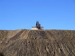 miners memorial3 (Parto Domani) Tags: new broken wales memorial mine minas south hill australia mina mines outback aussie miner miners miniere detriti miniera cumulo mullock memoriale minatori minatore minerali