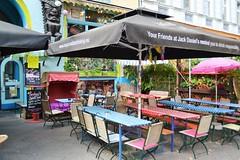 Straencafe Berlin X-Berg (Mauerkind Berlin) Tags: bar cafe scene schirme gartenlokal biertische