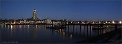 IJsselpanorama Deventer met nieuwe pier (Hans van Bockel) Tags: city longexposure panorama river pier nikon pano tripod ab le bluehour avond stad deventer ijssel vanguard rivier worp statief 1680mm d7200