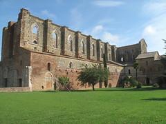 San Galgano (sangiopanza2000) Tags: travel italy church ruins italia chiesa tuscany toscana viaggio abbazia sangalgano ruderi sangiopanza