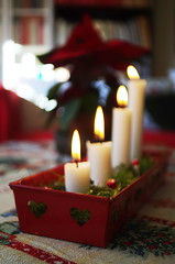 4th Sunday of Advent (Stefano Rugolo) Tags: pentax k5 kepcorautowideanglemc28mm128 candles depthoffield bokeh light blur 4thsundayofadvent 4 sunday home magic christmas jul family christmasdecorations verticalformat red white seasongreetings natale stefanorugolo