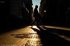 La calle con la luz más bonita de Granada (juanmatruji) Tags: granada contraluz shadows sunrise fujifilmx pentaxm 35mm streetphoto