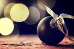 098 - Merry Christmas! (- cornuspixels -) Tags: greetings card christmas ornament bokeh canon eos 20d