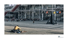 a short trip to Paris 14 Centre Pompidou (wideness) Tags: besucher centrepompidou france frankreich gebäude haus installation kunst museum paris rohre stadtbild strassenmusikant street townscape îledefrance fr travel traveling canoneos6d canon eos 24105mm ef24105mmf4lisiiusm