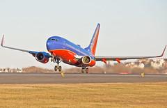 RWY 27 take off (jp.marottta) Tags: n494wn southwestairlines luv swa nikond90 loganairport kbos boston bos boeing b737700 wn rwy27 takeoff winglets rotation