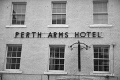 Perth Arms Hotel (aylmerqc) Tags: scotland dunkeld bw blackandwhite perthshire highlands pertharmshotel