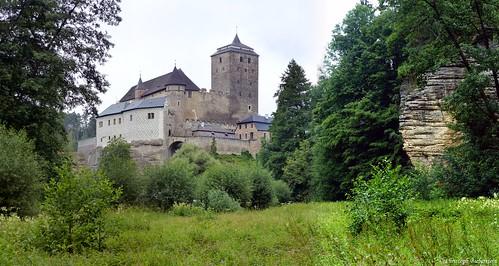 """Hrad Kost (Burg Kost - Blick aus dem """"Tal der Tränen"""")"""