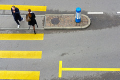Unperceived Encounters (Ivan Rigamonti) Tags: streetphotography zurich crosswalk encounters