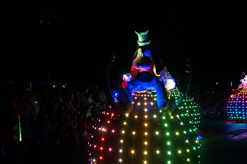 """Goofy in the Paint the Night Parade • <a style=""""font-size:0.8em;"""" href=""""http://www.flickr.com/photos/28558260@N04/20662646156/"""" target=""""_blank"""">View on Flickr</a>"""