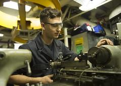150925-N-GM561-126 (U.S. Pacific Fleet) Tags: engineering usnavy engineers ussboxer amphibiousassaultship amphibiousoperations esg3 masscommunicationspecialist