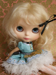 Alice in Wonderland (Cossette...) Tags: set outfit doll dress mohair blythe petticoat aliceinwonderland cossette fbl liccabody primadollysimplyvanilla
