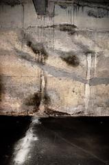Underground (Jean-Luc Lopoldi) Tags: look underground empty garage traces nobody yeux taches mur spectre souterrain fright visage regard vide terreur bton coulures inquitant
