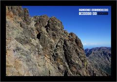Au pied de la croix et du sommet Nord de la Punta Minuta (2556 m) ; en arrire-plan, vue sur la Muvrella, le Capu a u Carrozzu, la Punta Pisciaghja, le Capu Ladruncellu, le Monte Corona et la Punta Radiche (Images de Corse - Sylvain Guillaumon) Tags: corse corsica corona asco korsika niolu montecorona niolo albertacce hautasco boccarossa ladroncellu ascu puntaminuta carrozzu curona radiche ladruncellu muvrella capuladroncellu puntaradiche pisciaghia pisciaghja capuladruncellu puntapisciaghja hautascu capuaucarrozzu montecurona puntapisciaghia sylvainguillaumon