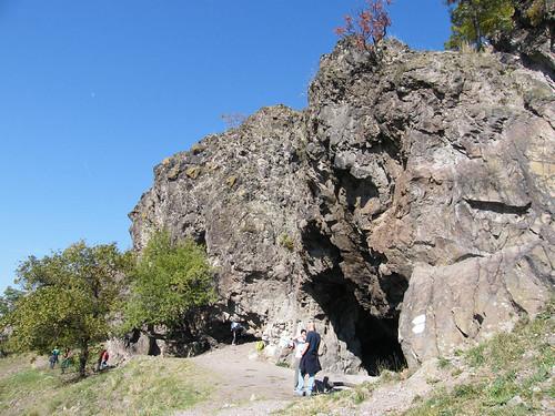 Remete-barlang sziklái