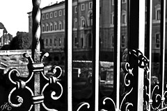 """Glimpsed"" (giannipaoloziliani) Tags: monochrome blackandwhite flickr bianoenero monocromo view intraview vista cancello gate iron metal ferro inferriata italy italia turin turincity torino piemonte palace architettura architecture old story historic downtown dettagli details street streetdetails streetphotography nikon streetphoto city città particolare nikond3200 nikonphotography nikoncamera nikonphoto glimpsed contrast chain noire hard black"