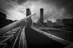 présentation architecture (serge_clfd) Tags: bilbao espagne noiretblanc paysbasque pont ville