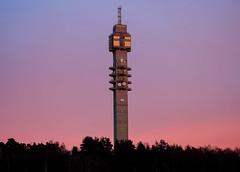 Teracom Tower (Keinsei2) Tags: kaknästornet teracom tower tour stockholm suède sverige 1967 hans borgström bengt lindroos radio télévision antenne ciel sky pink blue couché de soleil fujifilm xa1 brutalisme