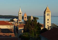 Croatia, Rab (duqueıros) Tags: kroatien croatia rab inselrab island stadt altstadt view aussicht abendlicht duqueiros