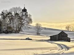 Kapelle Santa Clara (GerWi) Tags: landschaft schnee snow outdoor himmel sky kirche kapelle schuppen hügel berg