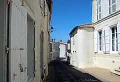 Scnes de rues  Marans (2-4) (deplour) Tags: street france loire marais scenes pays rues vende marans scnes poitevin