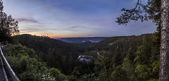 Rastlos (gnseblmchen) Tags: trees sunset sky panorama lake nature forest landscape dawn see woods view outdoor natur himmel lookout dmmerung aussicht landschaft wald bume schwarzwald blackforest dri hdr highdynamicrange horizont ausblick abendrot dynamicrangeincrease sonnuntergang