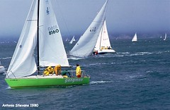 1980 USA San Francisco - Marina - regata (antosti) Tags: california usa ex marina canon san francisco barca mare persone spinnaker colori regata foschia vele ql imbarcazioni scie cerate scafi