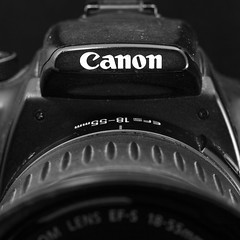 Canon EOS 350D + Canon 18-55mm f3.5/5.6 USM (Alvimann) Tags: alvimann canon canoneos canoneos350d canoneos350 canon350 canon350d eos350d camera details 1855mm ef1855mm lens cameralens product producto products productos japan japanese photo photography brand branding marca marcas name naming nombre type types letra letras zoom zoomring anillodezoom