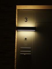 3 mal drei (mkorsakov) Tags: münster city innenstadt hausnummer housenumber drei three 3 licht light schatten shadow