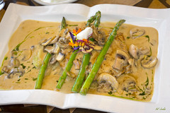 Chicken Marsala (Pat Durkin OC) Tags: chicken chickenbreast hormonefree freerange grilled marsala marsalawinesauce mushrooms garlic mashedpotatoes asparagus
