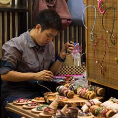 IMG_4645.jpg (v.sellar) Tags: streetphotography instagram chiangmai nightmarket thailand