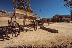 Waiting for Cues (Wayne Stadler Photography) Tags: fun towns oldwest old wagons wagonwheels attractions westewrn touristy pioneertown stores wooden ghosttowns westernwagons roadside california kitsch usa desert yuccavalley historic